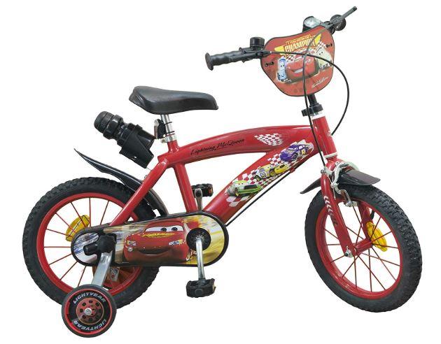 Un vélo pour garçon qui aux couleurs de Cars, le célèbre film